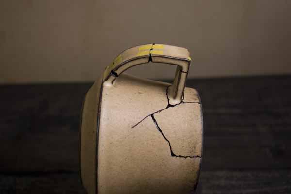 金継ぎの方法。陶器の接着後の置き方