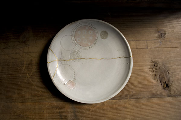 割れたプレート皿の金継ぎ修理