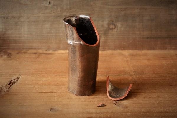 金継ぎ修理方法。割れたカップ。