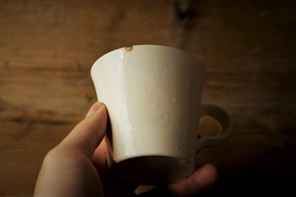欠けたマグカップの簡単金継ぎ修理完了