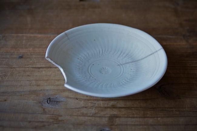 簡易的な金継ぎ方法で直す平皿