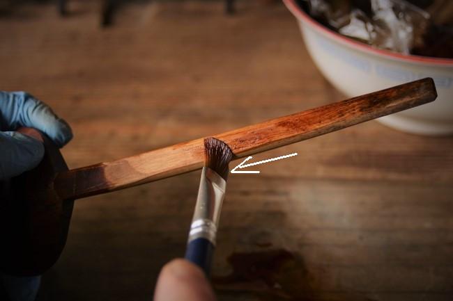 木の食器に生えたカビを擦り漆で隠す方法