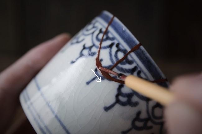 割れた蕎麦猪口の金継ぎ修理方法。蒔絵のやり方