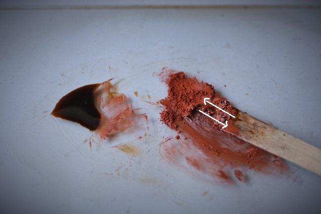 素黒目漆から金継ぎで使う色漆を作るやり方