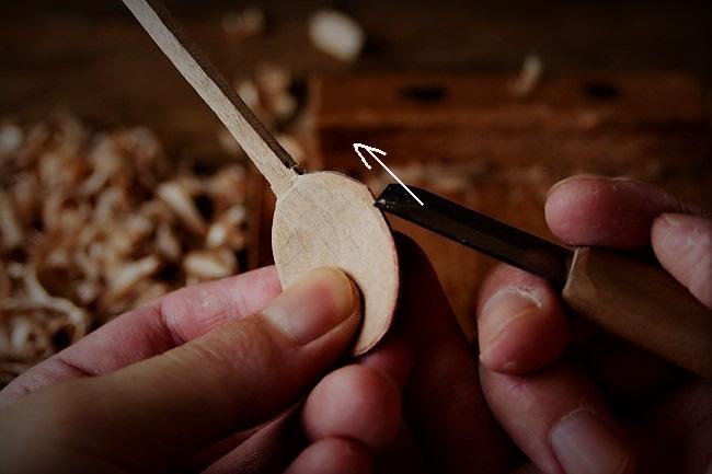 初心者でもスッカラ風の木のスプーンを作れる方法