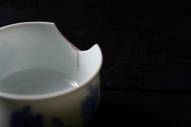 割れた湯呑茶碗の金継ぎ修理方法