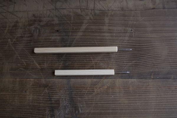 金継ぎの素地調整作業でひびを削ったり、割れた破片のエッジを削ったりするリュータ―のビット