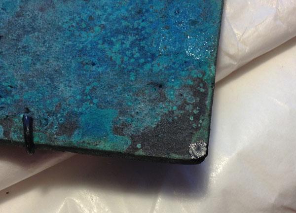 金継ぎ工程の漆の下塗り後