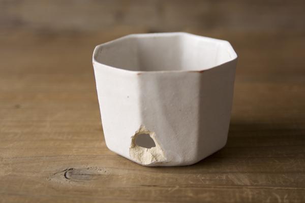 欠けた井山三希子の小鉢の金継ぎ修理
