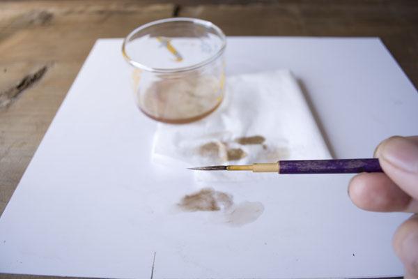 簡単金継ぎの方法。筆の洗いが完了。