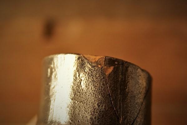 金継ぎの修理方法。刻苧を削るやり方。