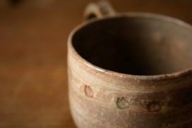 欠けた野村綾香のマグカップの金継ぎ修理