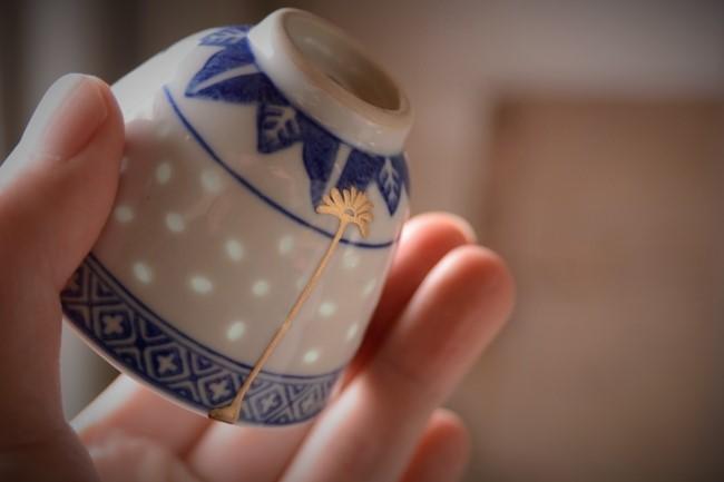 中国の湯飲みの簡漆金継ぎのやり方