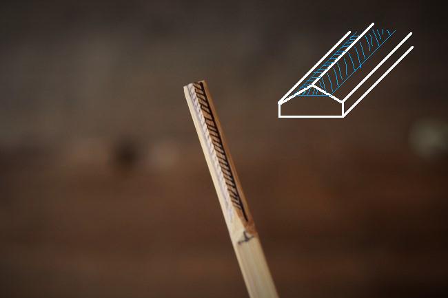 竹串のトップの角を削る