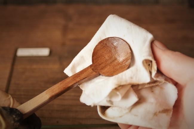 木のスプーン 拭き漆のやり方