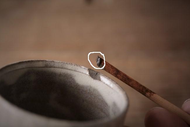 金継ぎの錆漆付け作業