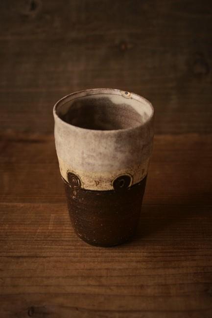 口元の欠けたカップの金繕い修理