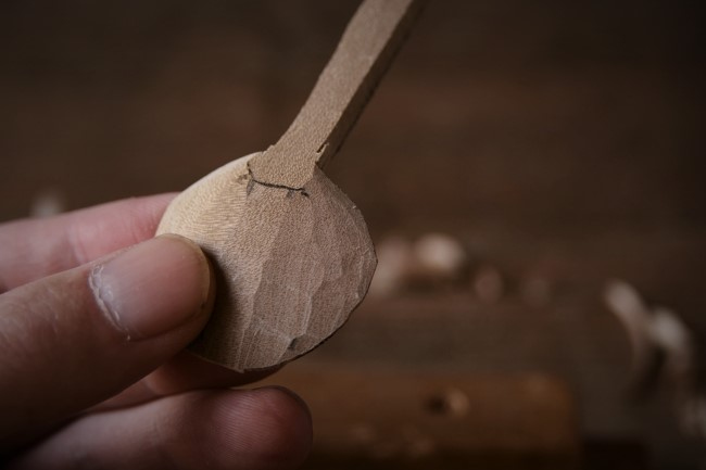 木のスプーンを簡単に作る方法