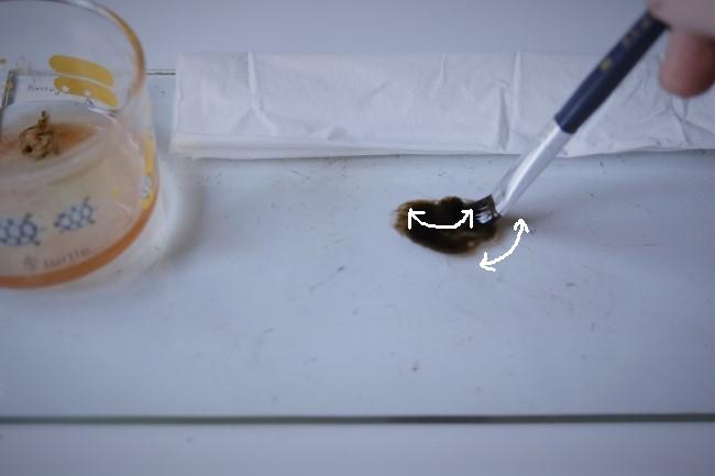 漆の塗りで使う平筆の洗い方