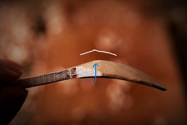 木を削って作る、スッカラ・スプーンの作り方